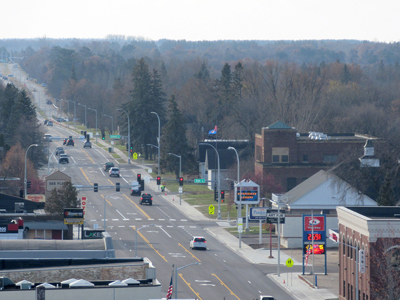 Holden Electric Co. worked with MNDOT to install new LED traffic signal systems in Brainerd, Minnesota
